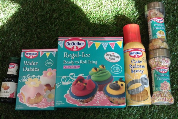 A Cake Decorating Giveaway! Dr Oetker Cake & Baking ...