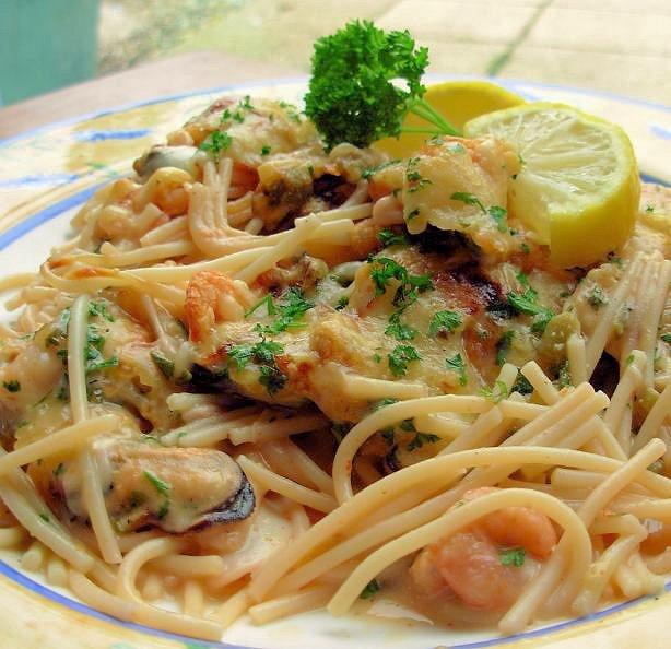 Baked Garlic Prawn & Spaghetti Gratin
