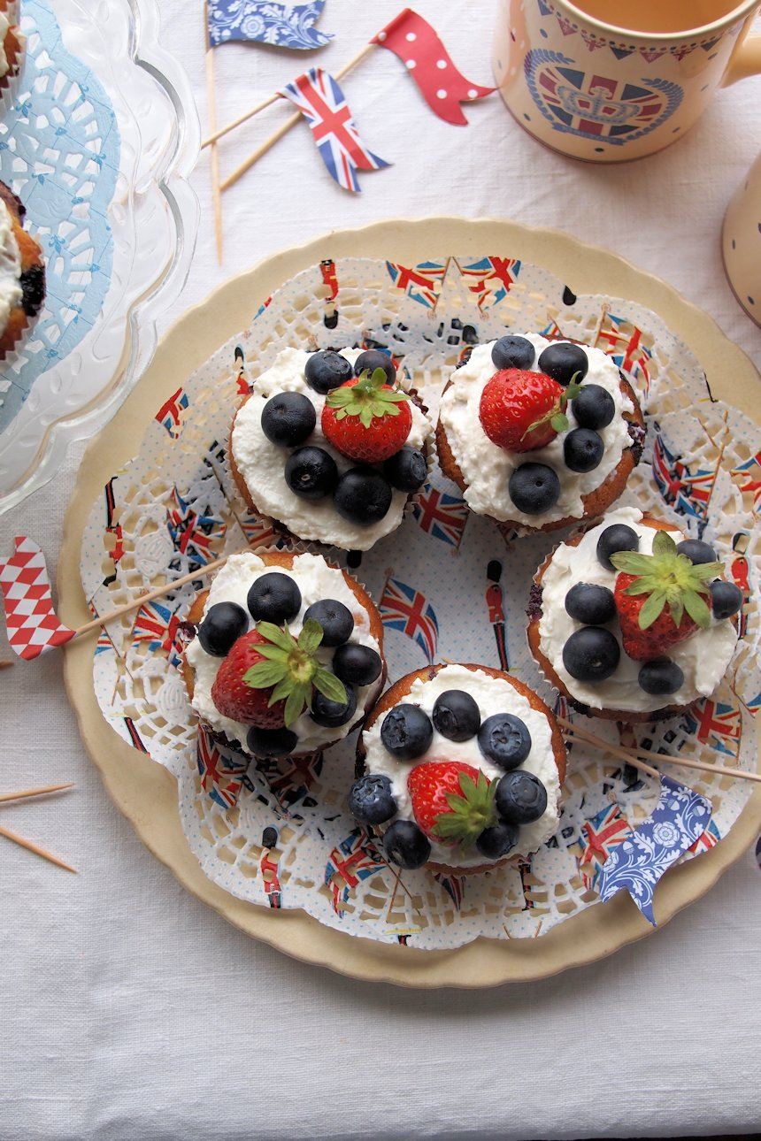 Red, White & Blue Strawberries and Cream Jubilee Cakes