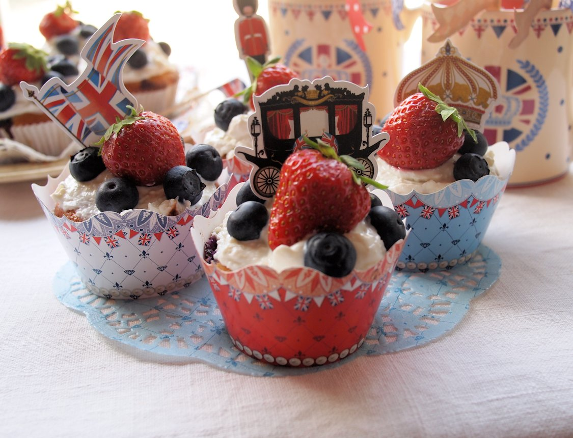 Jubilee Strawberry and Cream Cakes