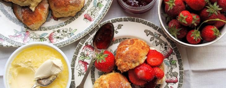 Low Calorie Vanilla Bean Scones for a Wimbledon Strawberries & Cream Tea