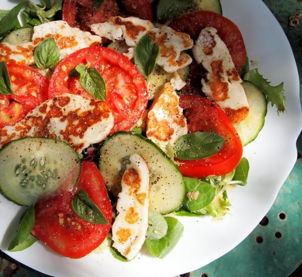 Halloumi & Tomato Salad Platter Recipe