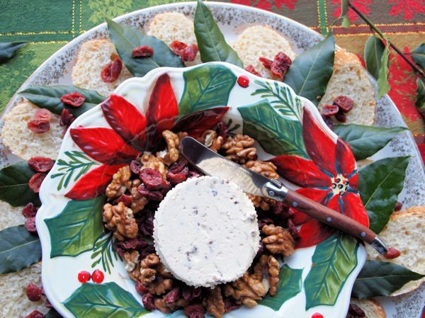 An Easy Christmas Cheeseboard! Festive French Cheese Wreath with Boursin Cheese