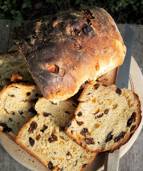 Lincolnshire Plum Bread: A Fabulous Festive Fruit Bread and Random Recipe