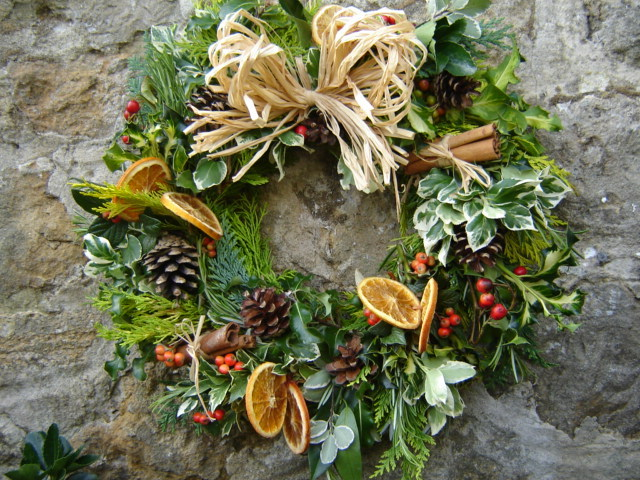 December herbs on saturday win a cath kidston christmas decorations book - Admirable christmas wreath decorating ideas to welcome the december ...