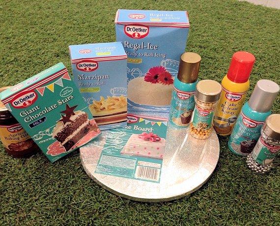 Cake Decorations Dr Oetker : Giveaway: Win a Dr Oetker Cake & Decorating Hamper for ...