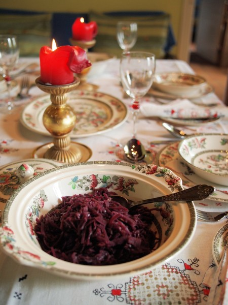 Day Two on the Advent Calendar, First Sunday in Advent, Antique Linen and Indian Tree China