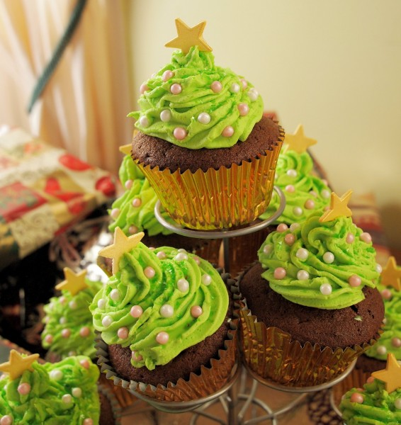 Little Spiced Chocolate Christmas Tree Cakes Recipe