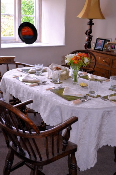 Vivien's beautiful farmhouse dining room