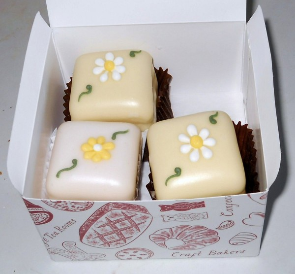 Betty's Spring Flowers Fondant Fancies