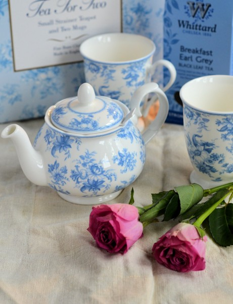 Mother's Day Gifts: Blue Chintz Tea Set and Spring Flowers Fondant Fancies