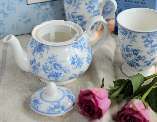 Whittard of Chelsea Blue Chintz Tea for Two Set