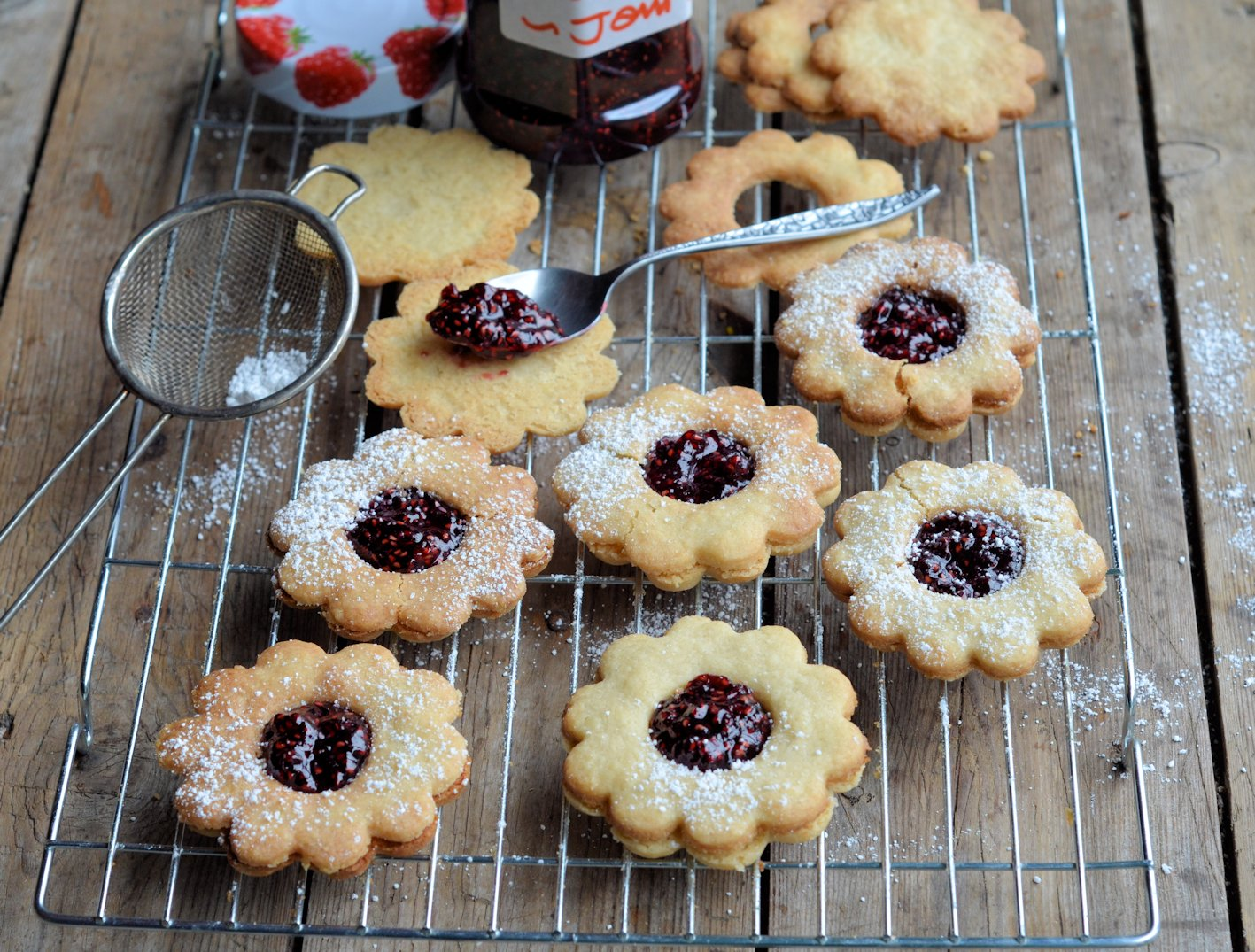 Posh Jam Biscuits. Jammie Daisy Dodgers (Biscuits/Cookies) Recipe. Relate