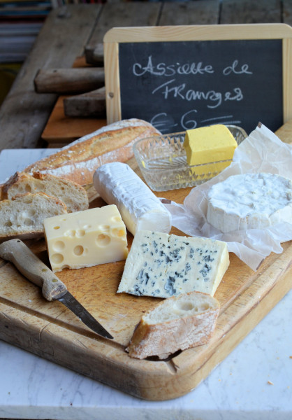 Fromage Friday! A Simple French Cheeseboard for Al Fresco and Summer Dining