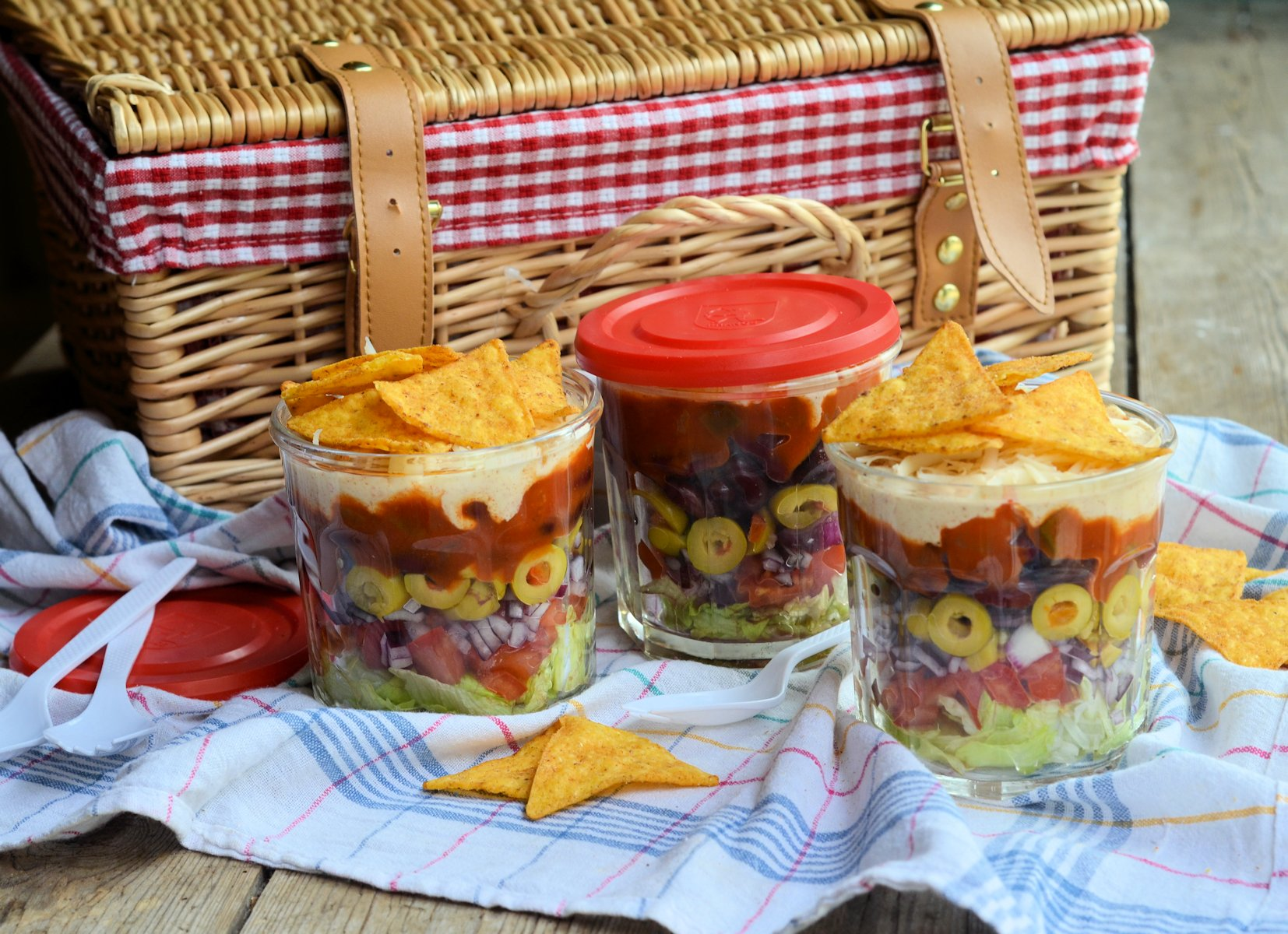 Picnics lunch box and barbecue salad idea layered picnic salads in picnics lunch box and barbecue salad idea layered picnic salads in a jar recipe forumfinder Choice Image
