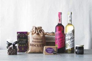 Giveaway: Win a Summer Picnic Hamper with Belvoir Fruit Farms