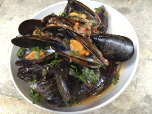 Provence Calling! Mussels with Tomatoes and Garlic for the 5:2 Diet (269 Calories)