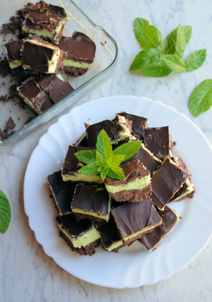 An Easy No-Bake Treat: Chocolate Peppermint Squares Recipe
