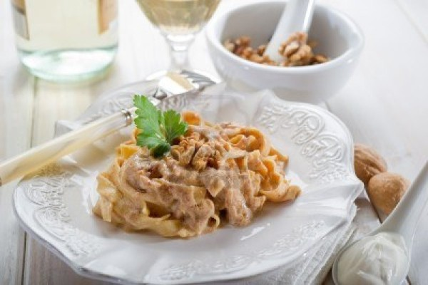 Pasta with Nuts in a Creamy Sauce