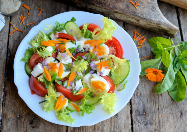 The Smell of Summer with a Floral Salad Recipe: Egg and Tomato Salad with Marigold & Chive Flowers