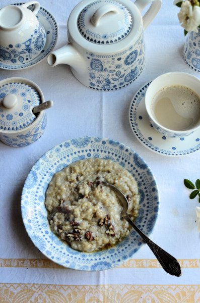 Porridge with Maple Syrup & Pecans
