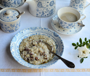 Breakfast Porridge with Maple Syrup & Pecans