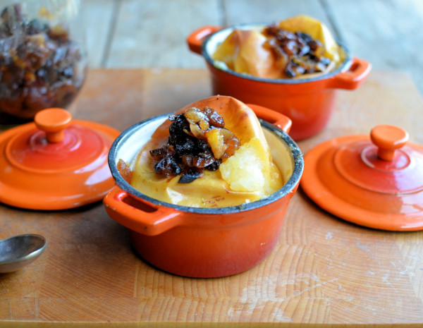 Baked apples in le creuset dishes
