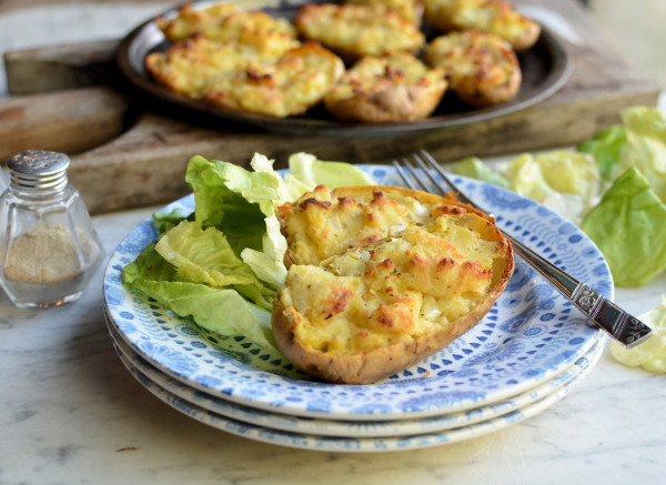 Cheesy Stuffed Supper Spuds (Baked Jacket Potatoes)
