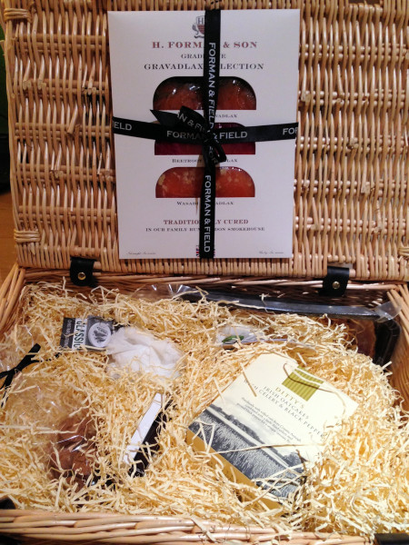Forman and Field Hamper for Two