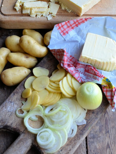 Dublin Coddles and Spuds! BBQ style Irish Slow Cooked Cheese and Bacon Potatoes in Paper