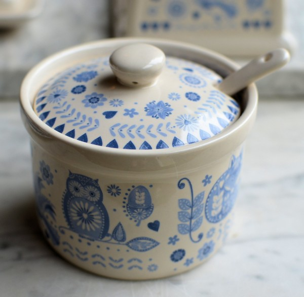 Jam dish with lid and spoon