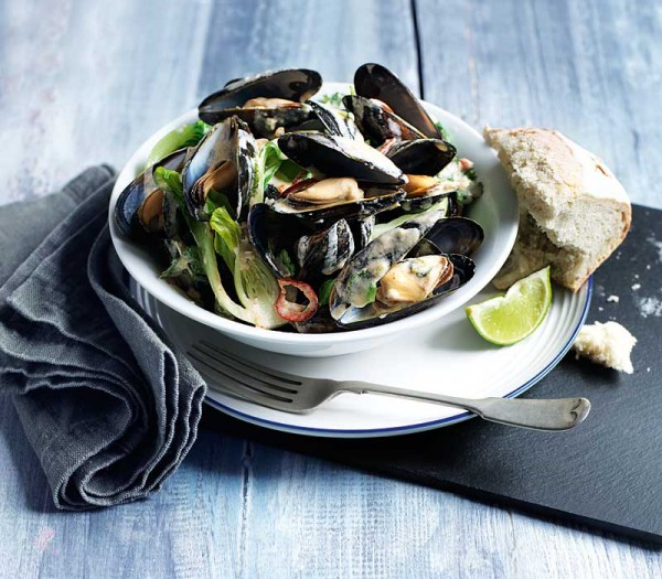 Thai mussel broth