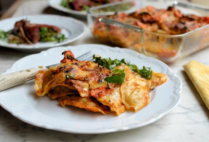 Tortellini Pasta Bake with Sun-Dried Tomato Pesto & Mozzarella