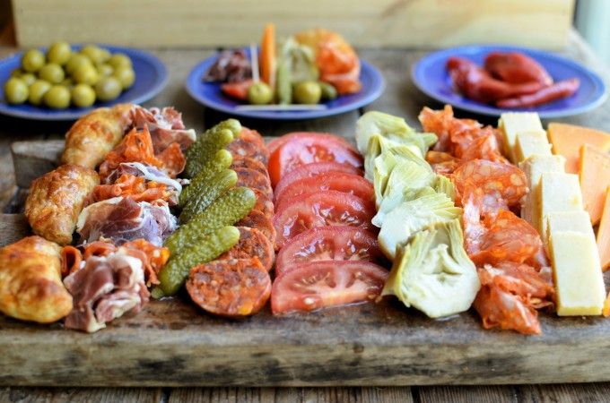 A snack for viewing the world cup semi final argentinian for Argentinean cuisine