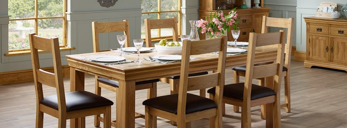 Good Oak Table and Chairs