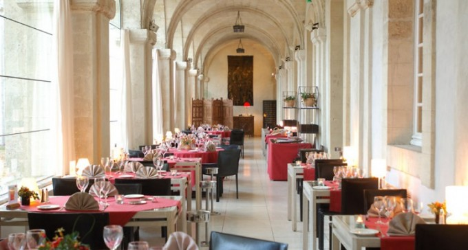 Cloître Saint-Louis Dining Room