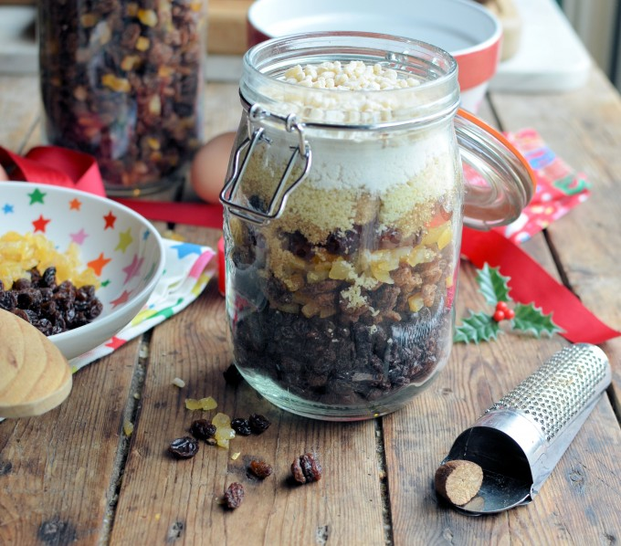 christms pudding in a jar gift in a jar 6 - Vegan Christmas Gifts