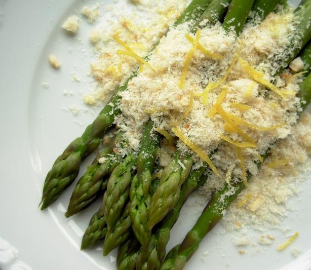 Fresh Asparagus with Lemon Crumbs
