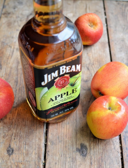 Jim Beam Apple Bourbon Whiskey Liqueur