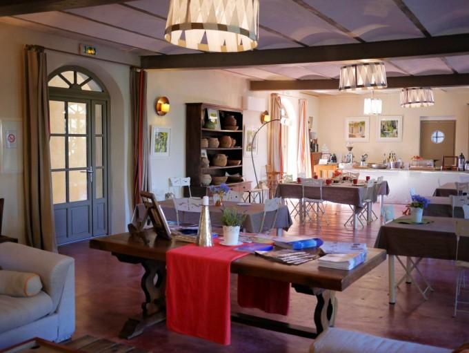 Dining Area Domaine des Clos