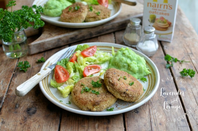 Salmon Fishcakes with Oatcake Crumb