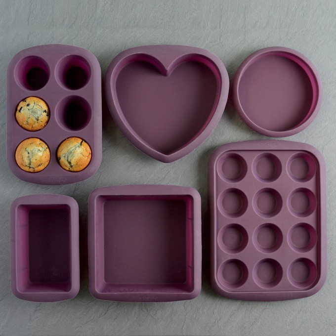 Includes aubergine round, heart and square cake moulds, 12 cupcake tray, 6 cup muffin tray and loaf pan Flexible design to allow easy release of bakes Made from durable high quality silicone for the ultimate in non-stick Microwave, dishwasher, freezer and oven safe up to 260C 25 year guarantee - ProCook design, manufacture and supply innovative quality products and cut out the middleman to bring you unbeatable prices