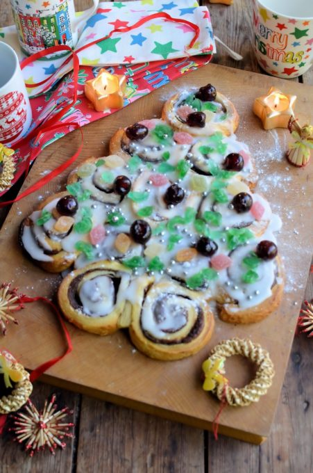 Christmas Tree Cinnamon Rolls