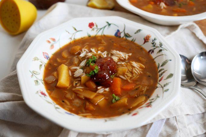 """Snowy Day"" Vegetarian Mulligatawny Soup"
