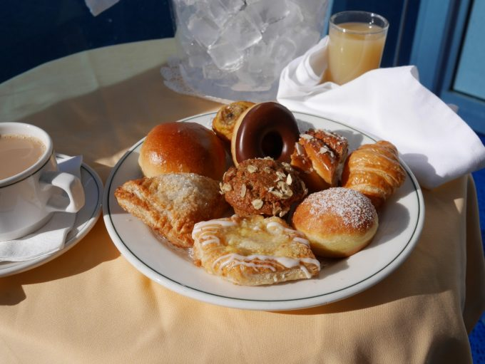 Deluxe Balcony Breakfast