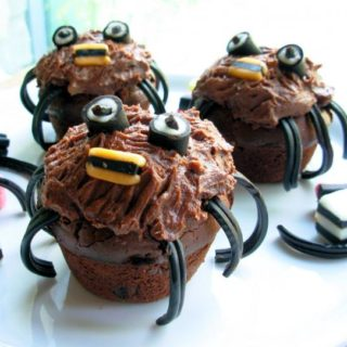 More Halloween Treats for the Children….Spooky Spider Cakes for a Howling Halloween!