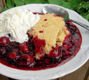 Jumble Berry Crumble with Shortbread Topping
