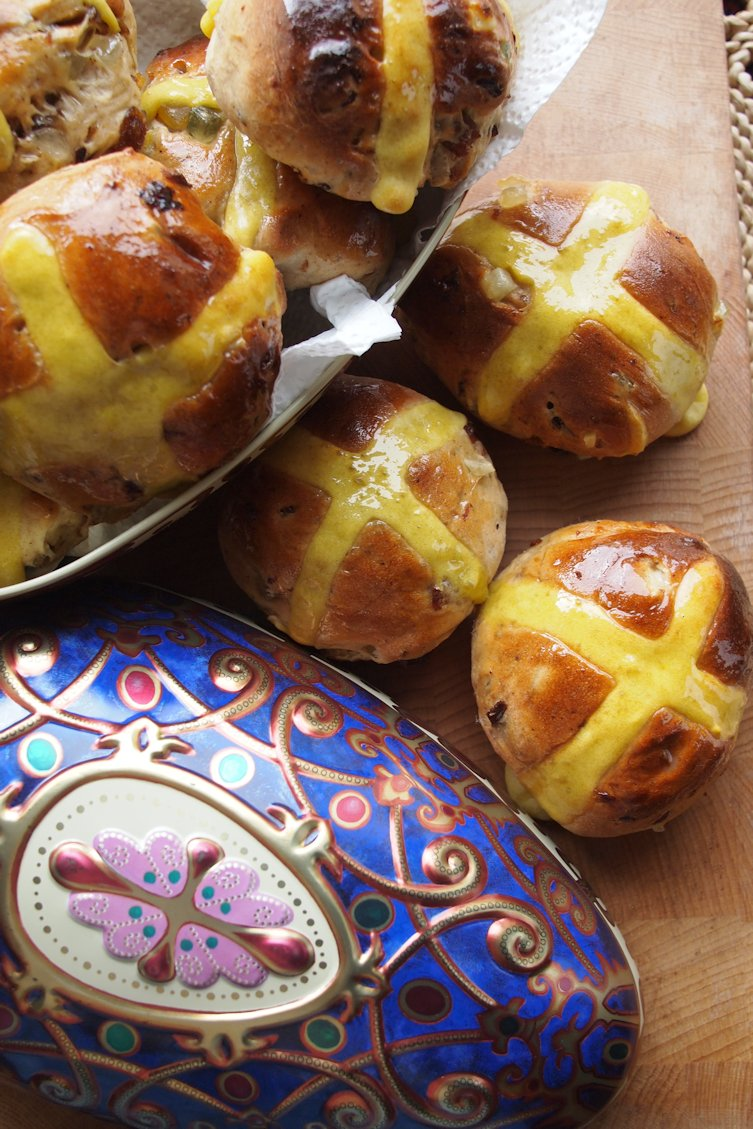 Baking for easter the history of traditional hot cross buns and sweet easter treats for easter weekke hot cross buns eggs floral baking gifts negle Images
