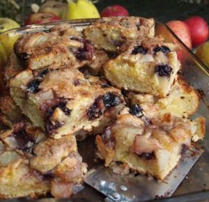 Apple, Bramble & Pear Tray Bake