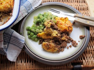 Traditional Cottage Pie with Cheesy Mash